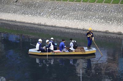 Sông Tô Lịch đỡ hôi sau 3 ngày dùng công nghệ Nhật