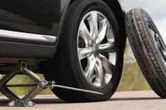 Những dấu hiệu nghiêm trọng phải thay lốp ô tô khi nắng nóng