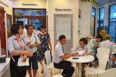 Hàng nghìn khách xem hàng Eurowindow ở Vietbuild Đà Nẵng