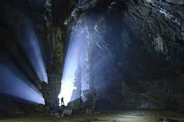Magnificent beauty of Tien cave in Quang Binh