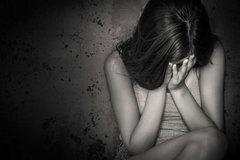 Sàm sỡ bé gái 17 tuổi chỉ bị xử phạt hành chính có đúng không?