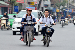 Mức nộp phạt với hành vi lái xe khi chưa đủ tuổi