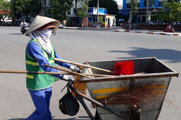 Chị lao công Quảng Trị bị đánh: Vợ chồng chủ shop đến xin lỗi