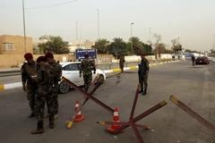 Tên lửa rơi xuống gần sứ quán Mỹ ở Iraq