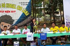 """Cựu tuyển thủ Phan Thanh Bình """"ghen tị"""" với cầu thủ trẻ"""