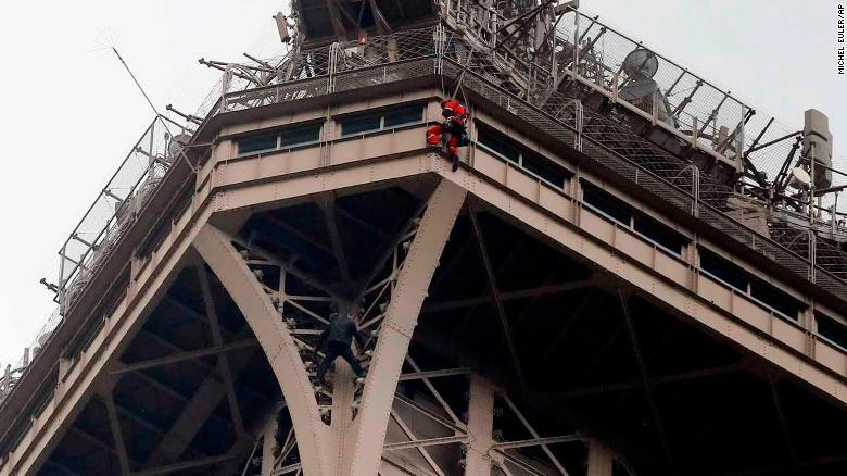 Tháp Eiffel,Paris,Người nhện,cứu hỏa,sơ tán,phong tỏa,du khách,Pháp
