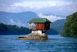 Câu chuyện về ngôi nhà 'cô độc' nhất thế giới