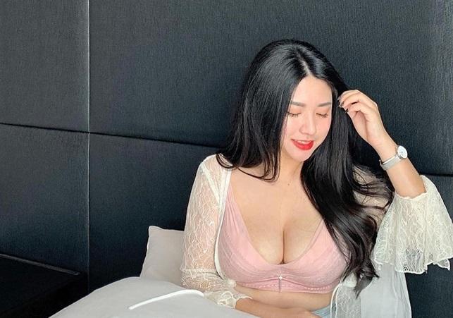 Hot girl Malaysia sở hữu vòng một bốc lửa hơn 100cm