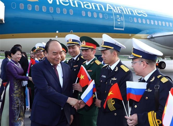 Prime Minister Nguyen Xuan Phuc arrives in Russia, beginning official visit