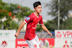 Cầu thủ Việt kiều Martin Lo lọt mắt xanh thầy Park, có gì hay?