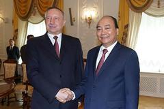 Thủ tướng gặp quyền Thống đốc Saint Petersburg