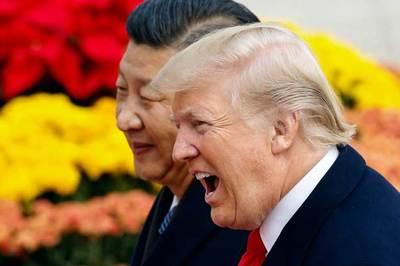 Trung Quốc lùi bước, Donald Trump thế thượng phong, toàn cầu sôi sục