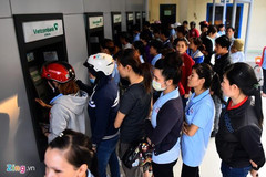 Phí rút tiền ATM, chuyển khoản các ngân hàng hiện nay ra sao?