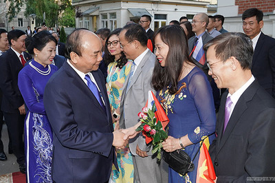 Thủ tướng: 'Mỗi người Việt ở Nga phải là đại lý tiêu thụ hàng Việt'