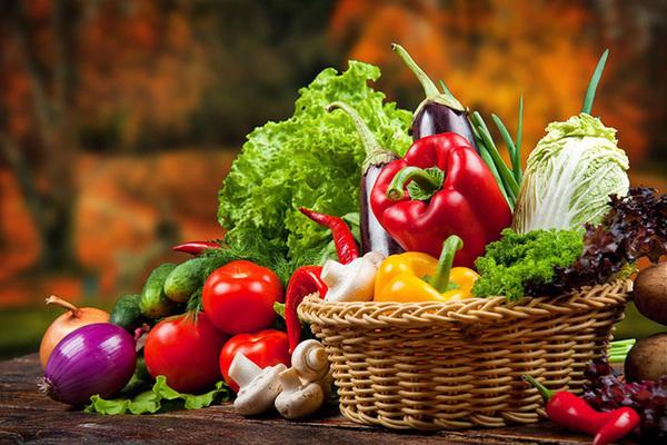 Cách chọn rau củ quả sạch tươi ngon, không 'ngậm độc'
