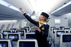 Tiếp viên hàng không tiết lộ những kiểu hành khách khó ưa
