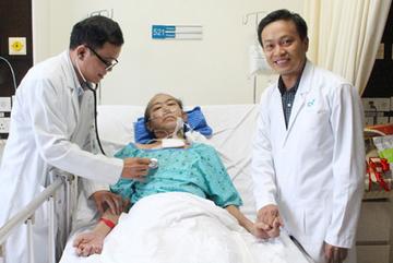 Bệnh nhân Campuchia suýt tử vong vì dị ứng thuốc, bác sĩ Việt cấp cứu kịp thời