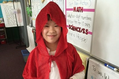 Được dạy thành công dân tốt, cô bé lớp 2 khóc nức nở khi lỡ vượt đèn vàng