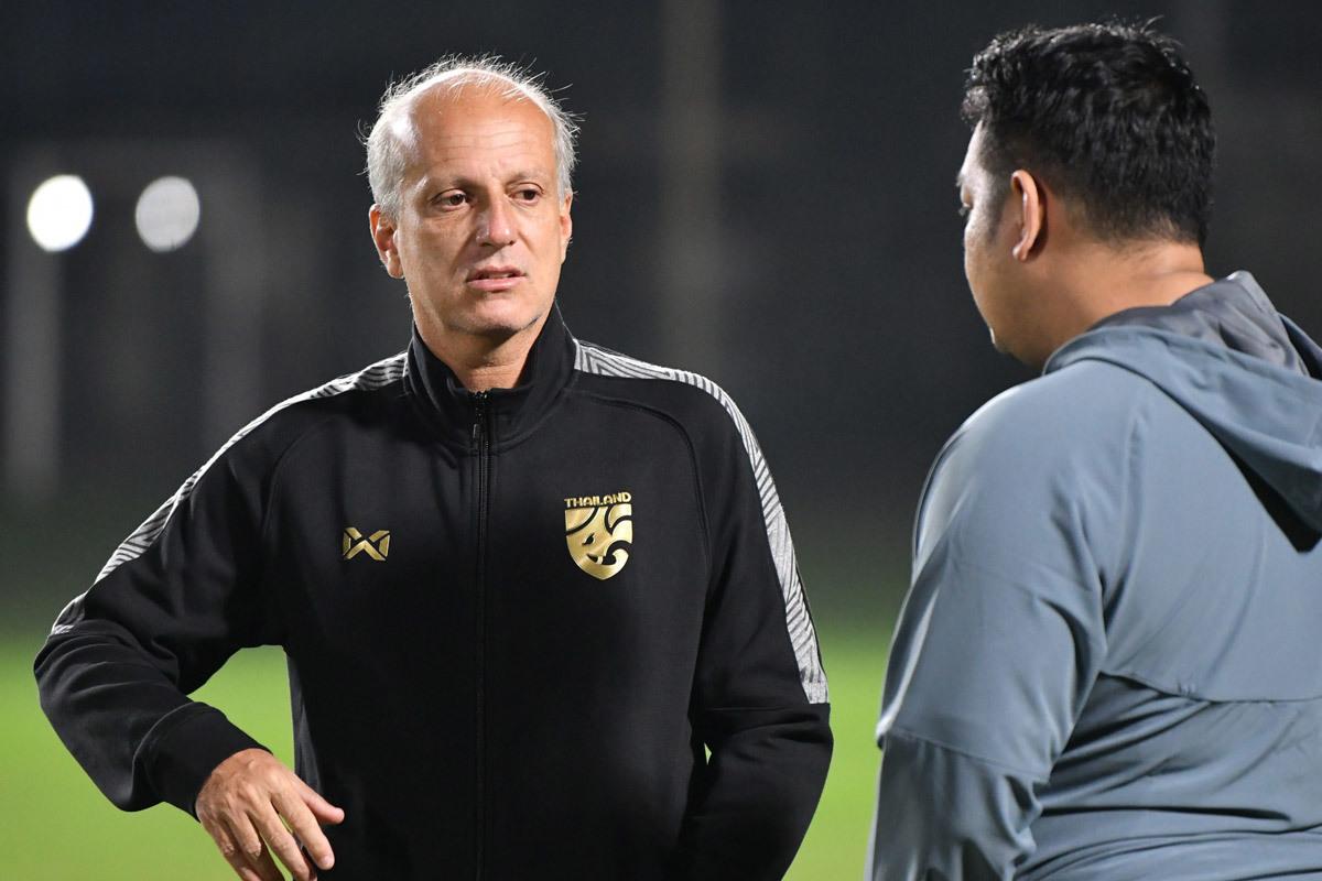 U23 Thái Lan,Alexandre Gama,Đặng Văn Lâm,Muangthong United