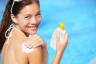Kem chống nắng mùa hè: Nhập nhèm sản phẩm, khó chọn chính xác