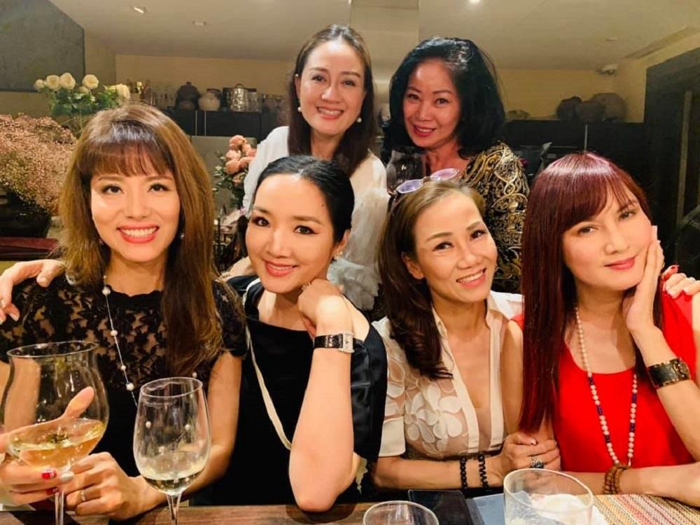 Mai Phương,Hương Giang,Trấn Thành,Sơn Tùng MTP,Đoan Trang,Lệ Quyên,MC Hoàng Linh