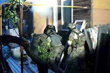 Xem đặc nhiệm Nga đột kích hang ổ khủng bố