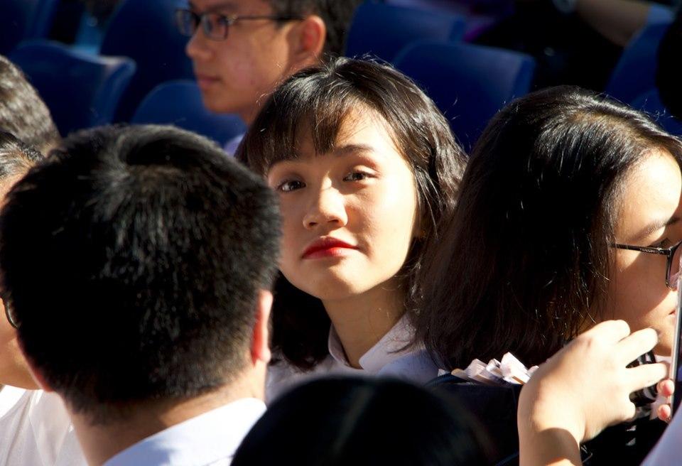 Vẻ đẹp ngọt ngào của nữ sinh Lê Qúy Đôn trong ngày bế giảng
