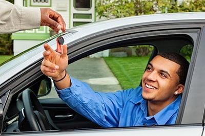 Bạn mượn xe gây tai nạn, chủ xe có phải bồi thường