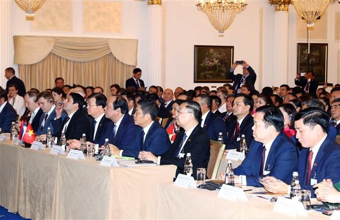 PM attends Vietnam - Russia Business Forum