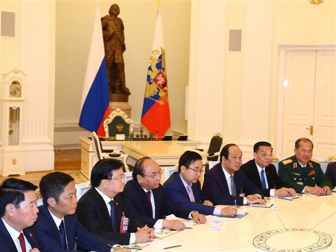 PM Nguyen Xuan Phuc meets Russian President in Moscow