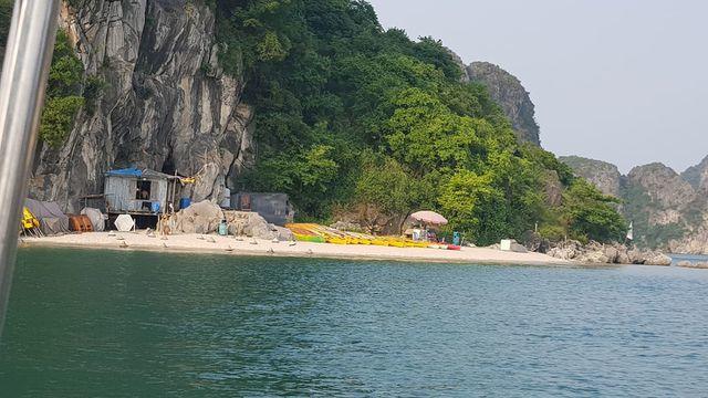 Illegal quays rampant in Ha Long