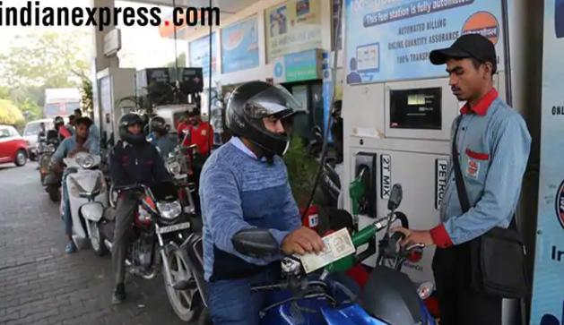 Không bán xăng cho người đi xe máy không đội mũ bảo hiểm