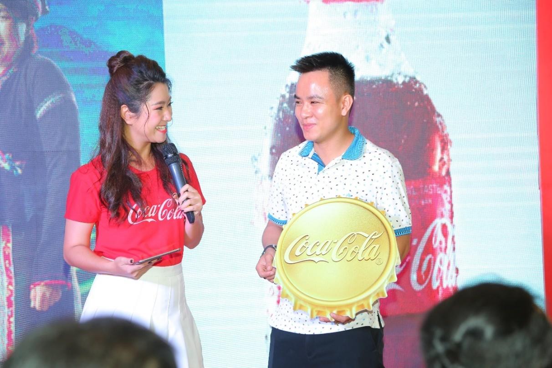 Lộ diện những 'triệu phú vàng' đầu tiên của Coca-Cola