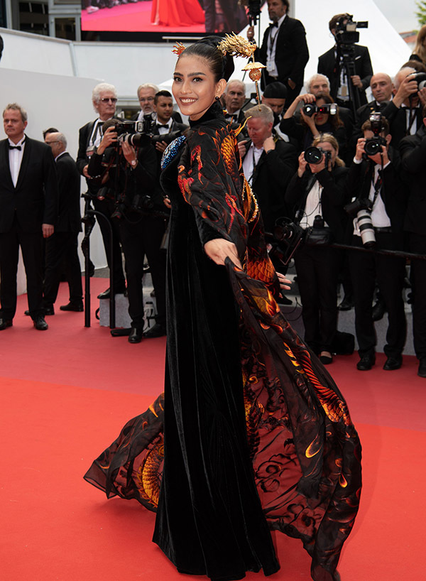 VN beauty queen Truong Thi May on Cannes red carpet