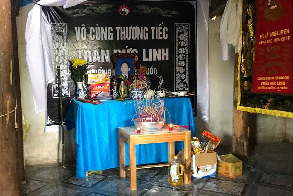 Nghẹn ngào tang lễ nạn nhân bị giấu xác trong thùng bê tông