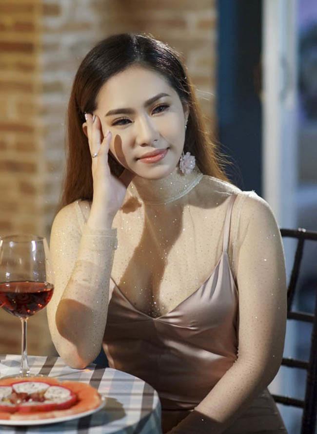 HAT,Phạm Quỳnh Anh,Lương Bích Hữu