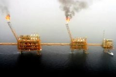 Mỹ tăng sức ép, Ấn Độ ngưng nhập khẩu dầu Iran