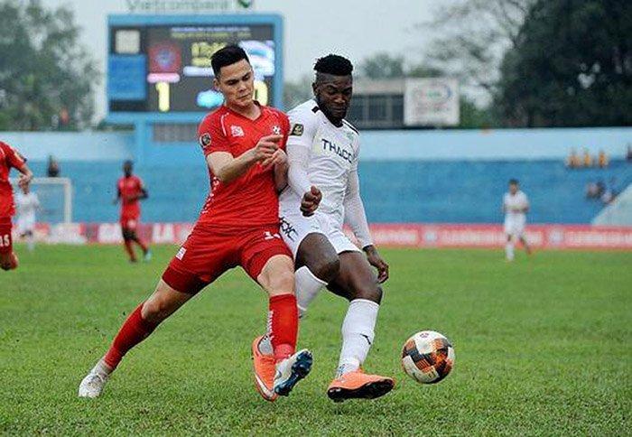 HLV Park Hang Seo bí mật xem hồ sơ cầu thủ Việt kiều Adriano Schmidt