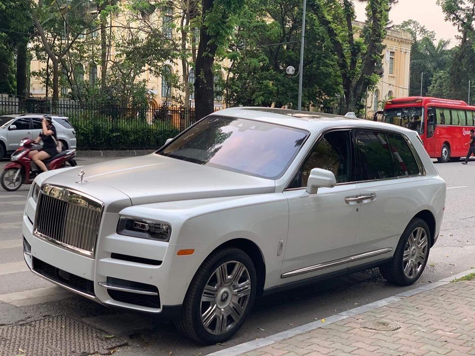 Rolls-Royce Cullinan,siêu xe