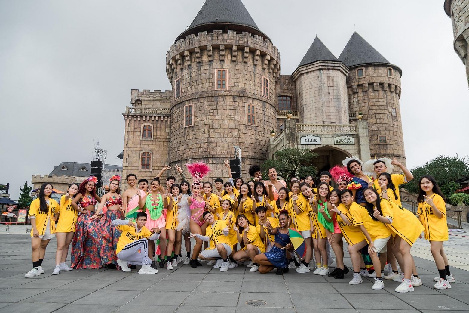 Flashmob cực chất từ nóc nhà Đông Dương đến bờ biển Phú Quốc