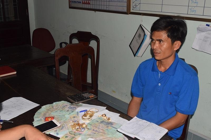 Thừa Thiên-Huế: Bắt ổ nhóm lô đề lớn ở huyện nghèo