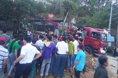 Sập giếng đang đào ở Nghệ An, 1 người bị vùi lấp