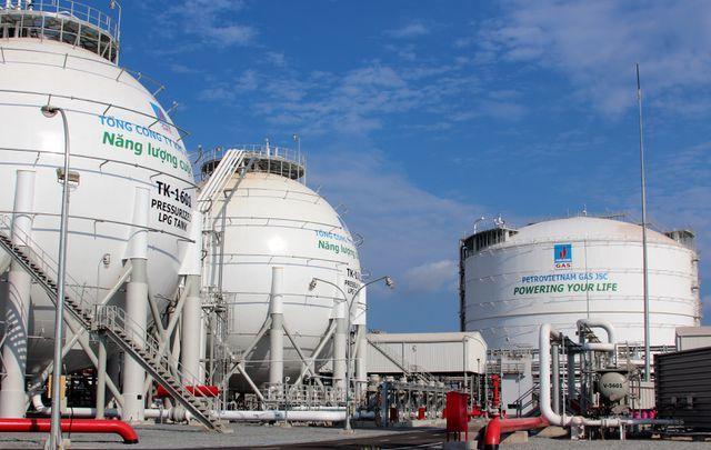 Một công ty dầu khí Việt Nam bị phong toả tài khoản tại 7 ngân hàng vì nợ thuế