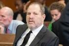 Harvey Weinstein chi 1000 tỷ dàn xếp bê bối tình dục