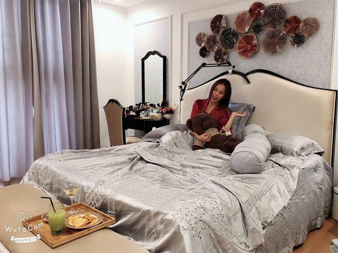 Tuổi 30, Phương Oanh 'Quỳnh búp bê' sở hữu căn hộ cao cấp, xế hộp tiền tỷ