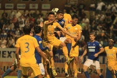 Nam Dinh deal shock blow to defending champions Hanoi