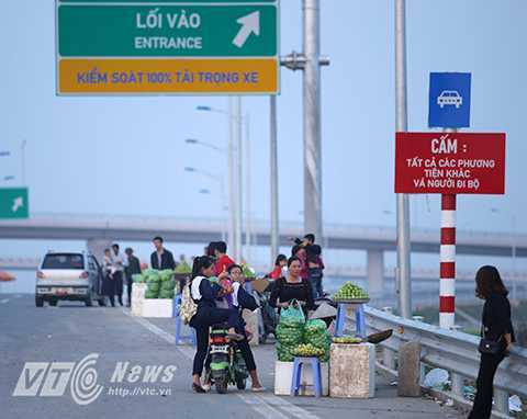 Hanoi to strengthen traffic safety control on highways