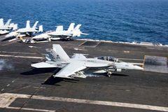 Iran đe đánh chìm các tàu chiến Mỹ bằng 'vũ khí bí mật'