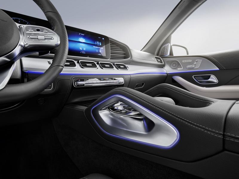 Mercedes GLE 580 mới gần 500 mã lực, giá hơn 77.000 USD