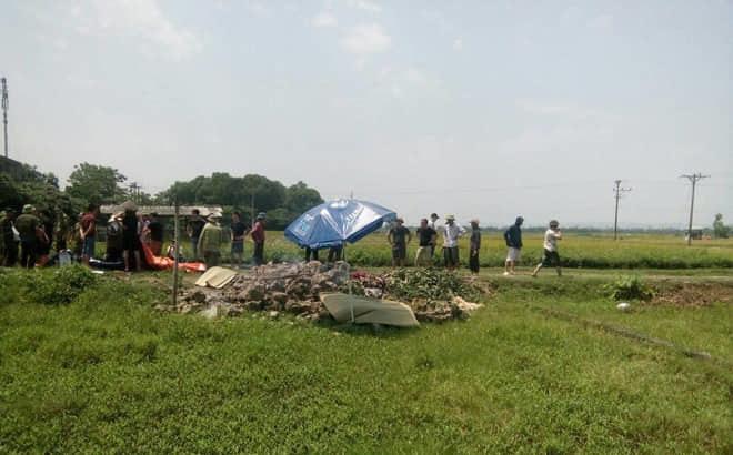 Hà Nội: Phát hiện thi thể người phụ nữ đang phân hủy ở bãi rác